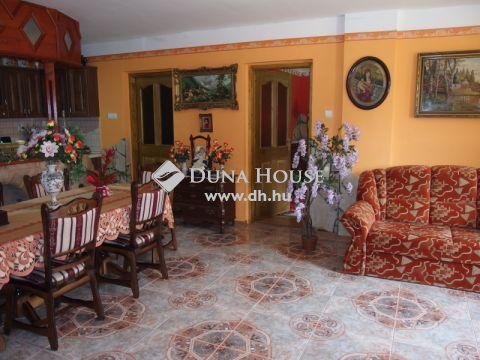 Eladó Ház, Bács-Kiskun megye, Kiskunfélegyháza - Modern, amerikai konyhás nappalis felújított