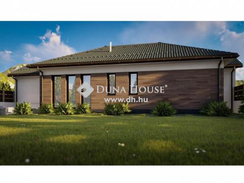 Eladó Ház, Bács-Kiskun megye, Kecskemét - 100 nm nappali + 4 szoba + 2 fürdő - 567 nm telken