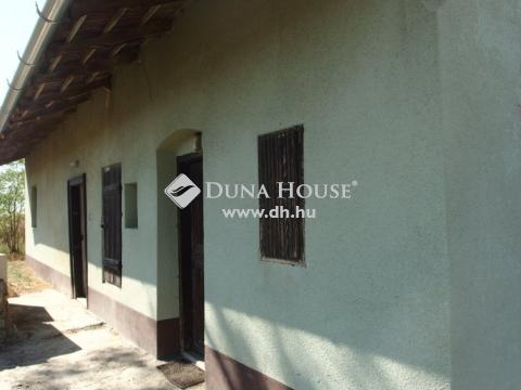 Eladó Ház, Bács-Kiskun megye, Kiskunfélegyháza - Kiskunfélegyháza és Aranyhegy között