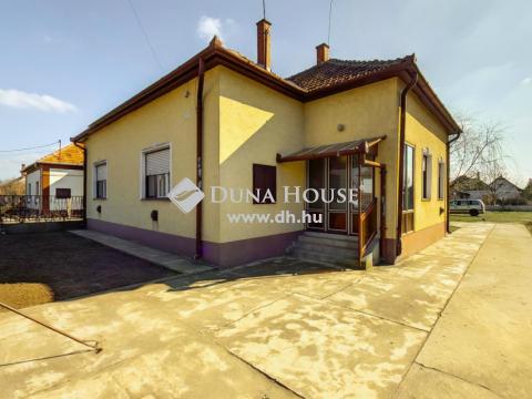 Eladó Ház, Bács-Kiskun megye, Kunszállás - Kunszállás csendes utcájában családi ház