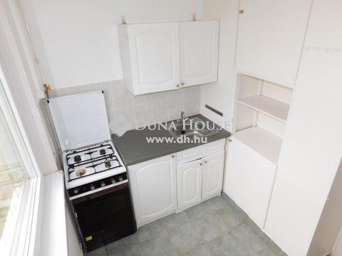 Eladó Lakás, Bács-Kiskun megye, Kecskemét - Tágas 1 szobás lakás a belvárosban