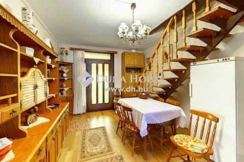 Eladó Ház, Bács-Kiskun megye, Kecskemét - 4 szobás családi ház Petőfivárosban