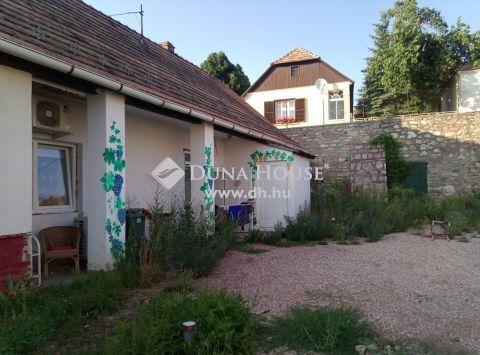 Eladó Ház, Komárom-Esztergom megye, Tardos - Központi részen